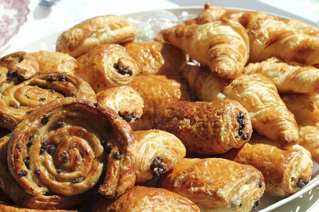 r5 UE Croissants
