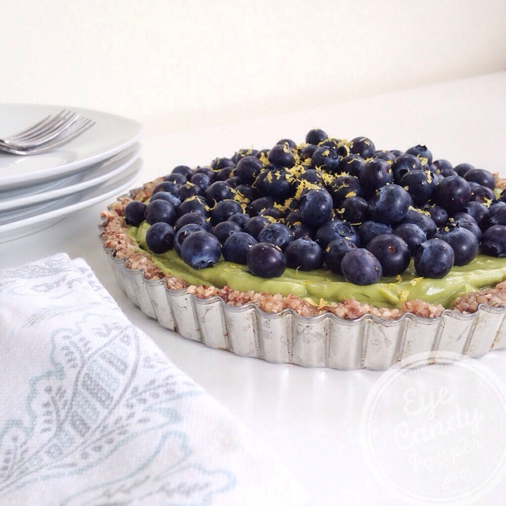 Healthy Lemon Pie (raw, vegan, grain-free, gluten-free, sugar-free) - EyeCandyPopper