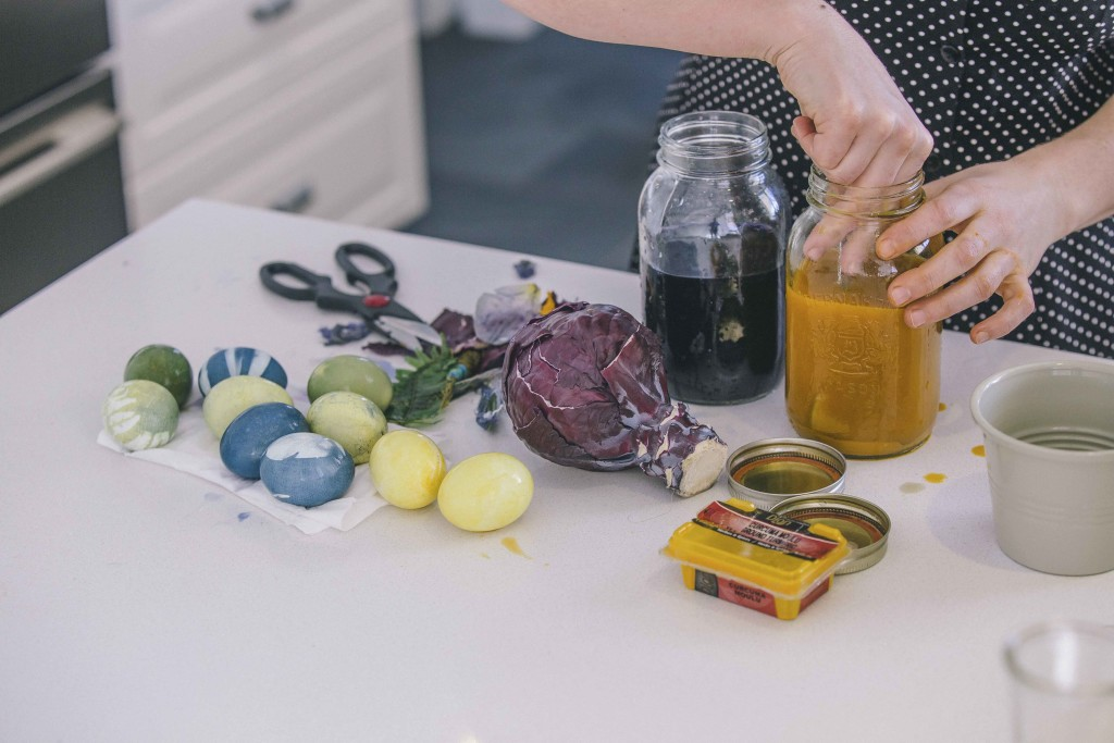 DIY Naturally Dying Easter Eggs with Floralia