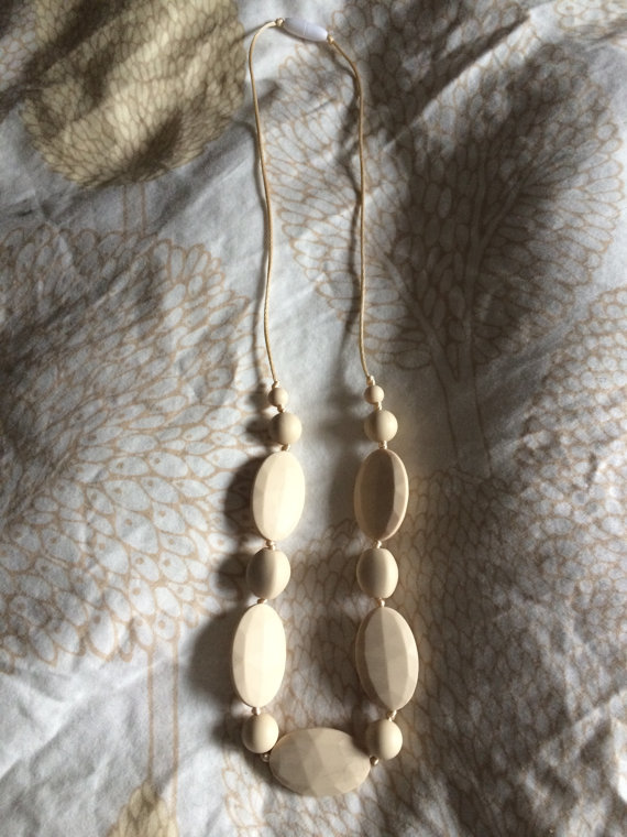 Teething Necklace from Raincoast Mom and Bab